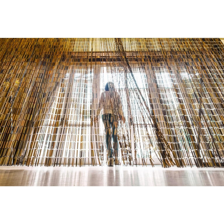 Marantò is an elegant room divider created from the revisiting of an ancient curtain created at the beginning of the 20th century by a woman. Mrs Marantò, with cleverness and patience, turned thousands pieces of scrap metal into small tubes