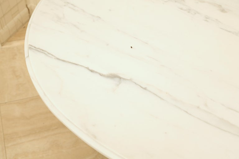Marble and Ebonized Oval Centre Table In Good Condition For Sale In New York, NY