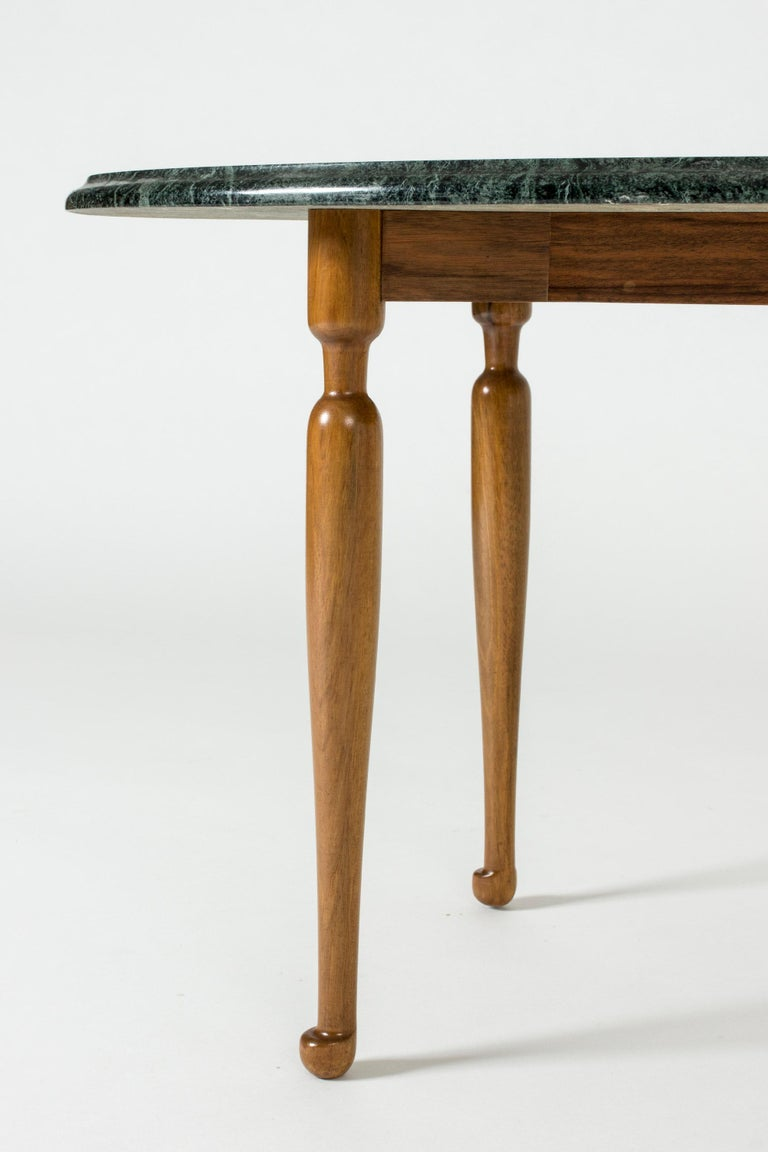 Marble and Mahogany Side Table by Josef Frank for Svenskt Tenn, Sweden, 1950s In Good Condition For Sale In Stockholm, SE