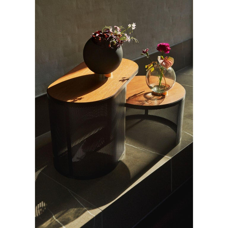 Marble and Steel Contemporary Side Table In New Condition For Sale In Geneve, CH