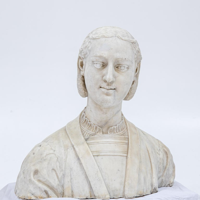 European Marble Bust of a Woman in Renaissance Style, Late 19th Century For Sale