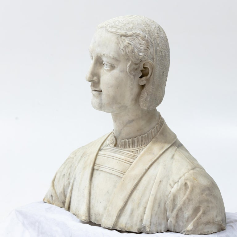Marble Bust of a Woman in Renaissance Style, Late 19th Century For Sale 4