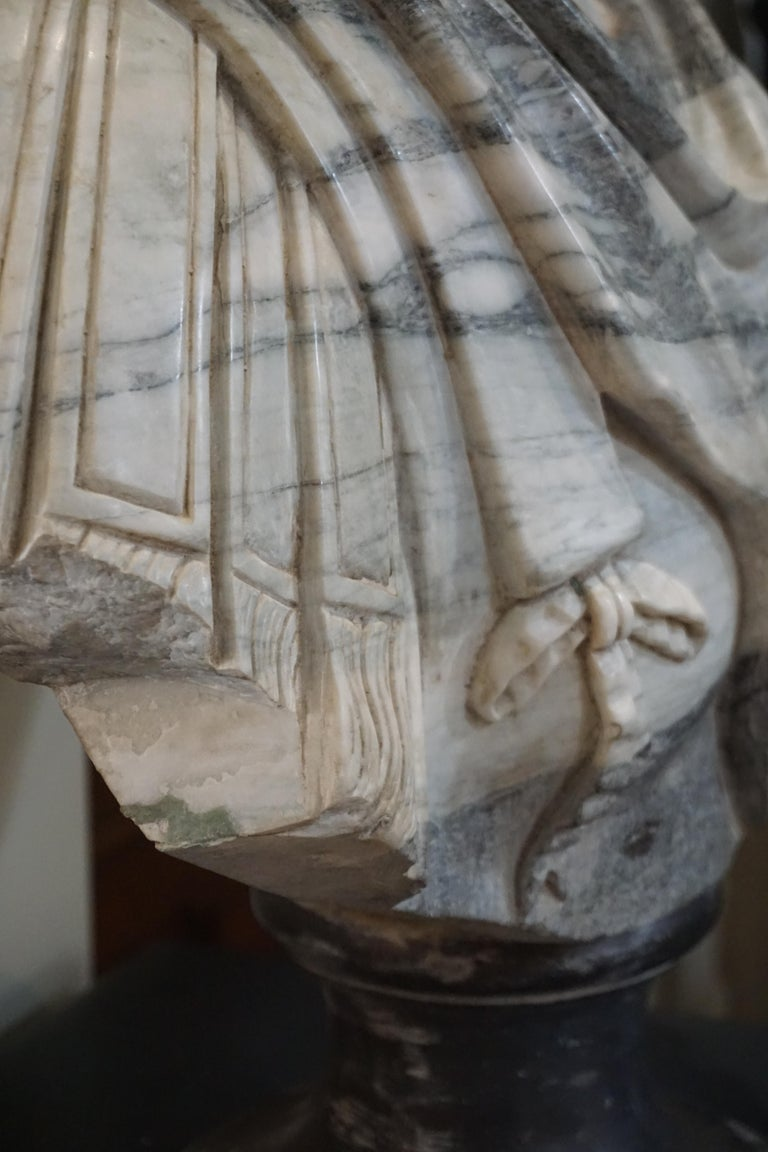 Marble Bust of Julius Caesar In Good Condition For Sale In Dallas, TX