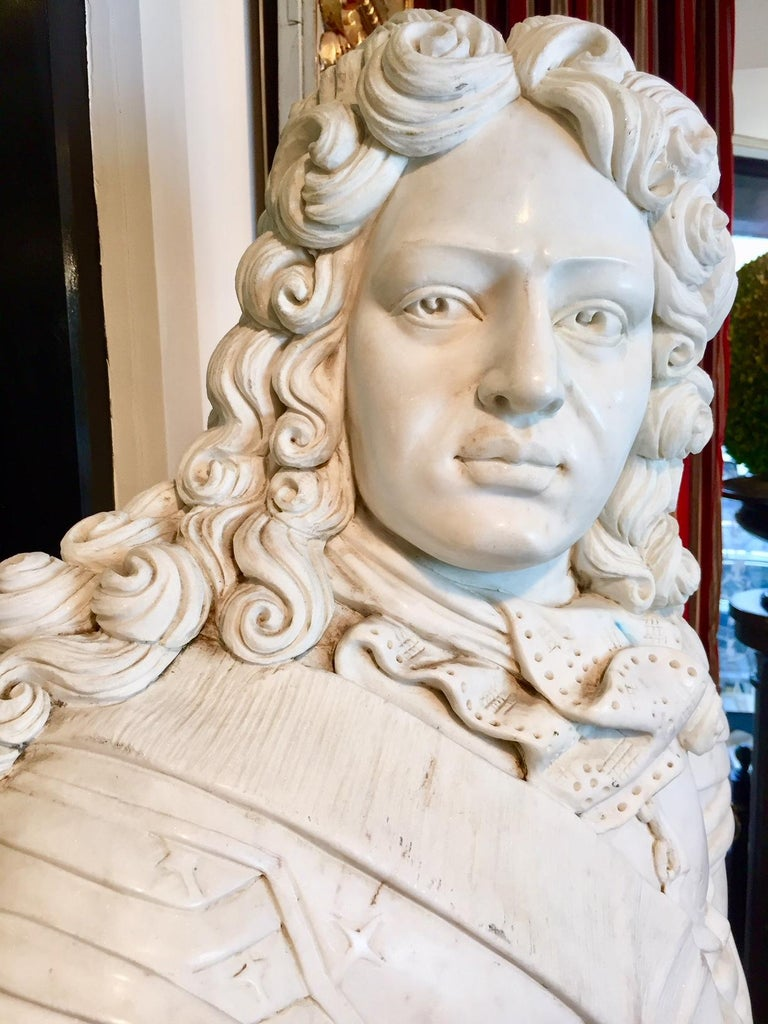 Marble Bust of Louis XIV In Excellent Condition For Sale In Montreal, Quebec