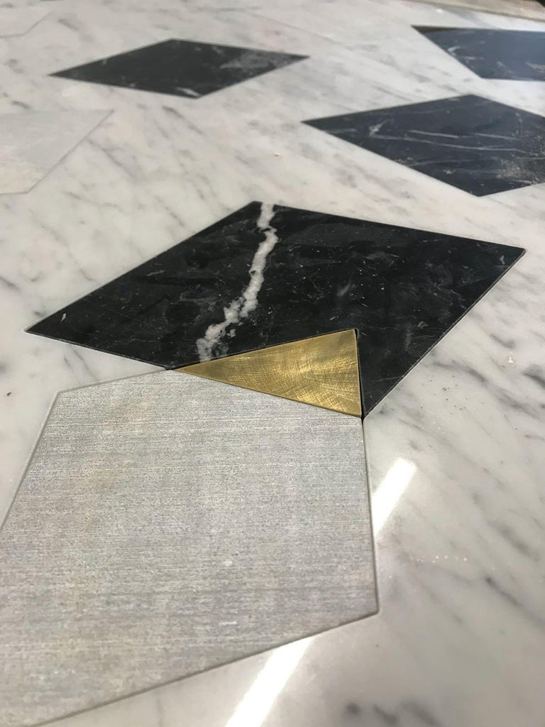 Polished Marble Center Table in Carrara Marble with Inlay design in brass  For Sale