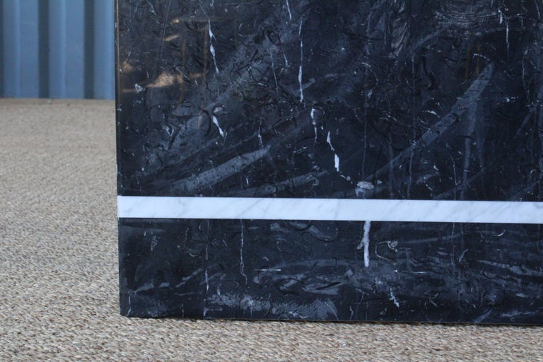 Marble Cubed Side Table by Artedi, Italy, 1980s In Good Condition For Sale In Los Angeles, CA