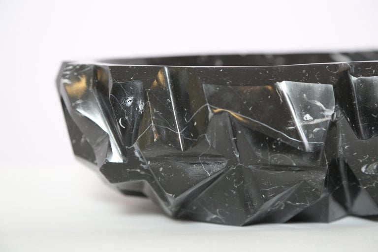 Rock bowl in Negro Marquina. Spectacular marble bowl cut and polished in Italy by skilled artisan in Italy. Perfect as fruit bowl for your kitchen or as a center piece on your table, this unique piece will bring elegance and stylishness to your
