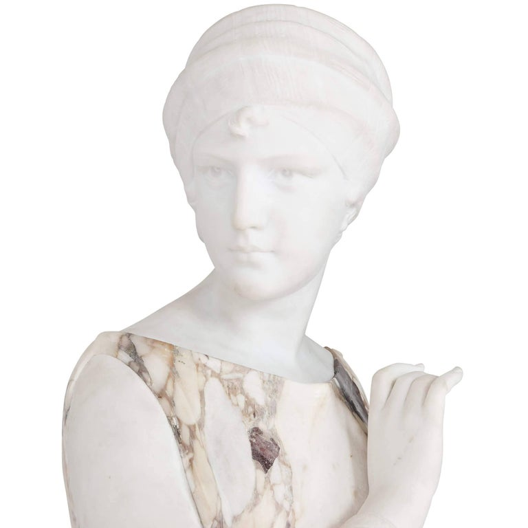 Marble Sculpture of a Female Figure, Emblematic of Autumn In Excellent Condition For Sale In London, GB