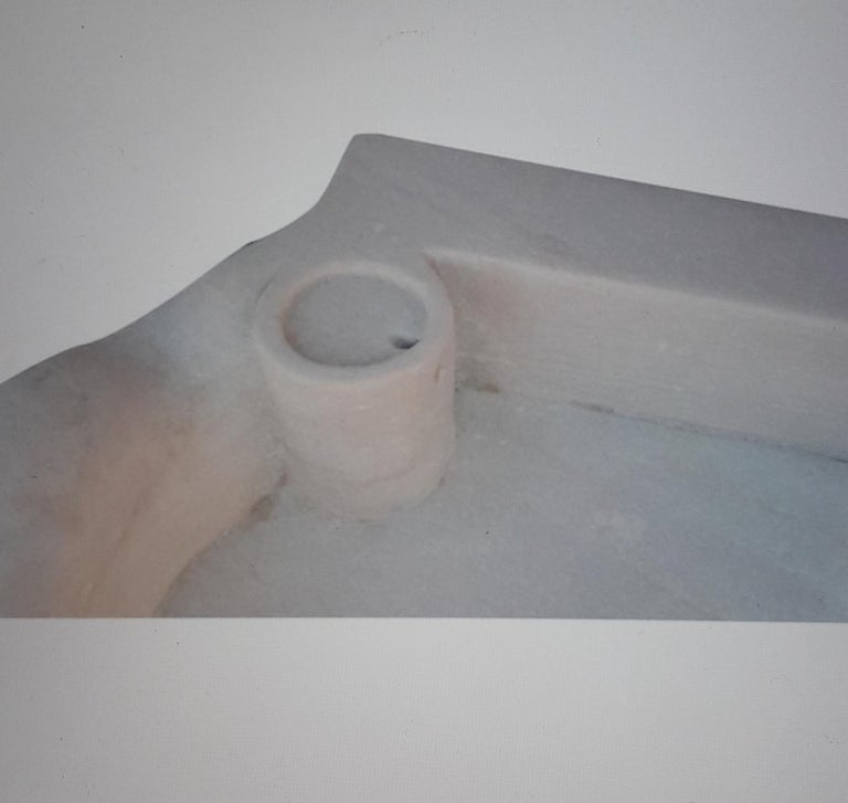 Classical Roman Revival sink basin of simplistic design, made from one piece of stone, ideal for outdoor purposes too.  0025atk. Length60 cmHeight13 cmWidth50 cmWeight37 kg Length Pack78 cmPackaging height27 cmPack width64 cmWeight Pack38 kg