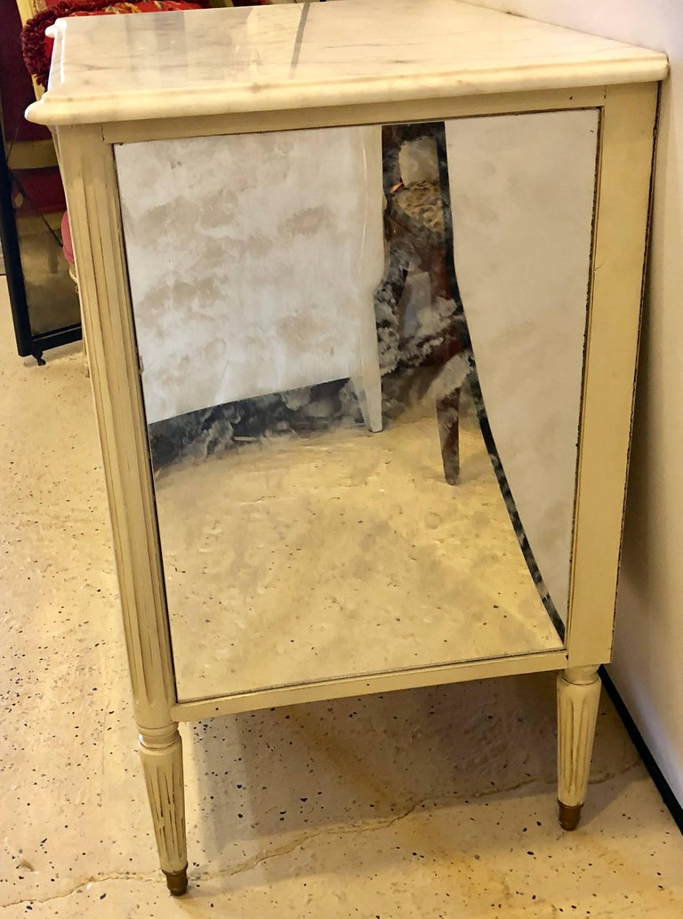 Marble-Top Hollywood Regency Decorated Commode Nightstand in Manner of Jansen For Sale 1