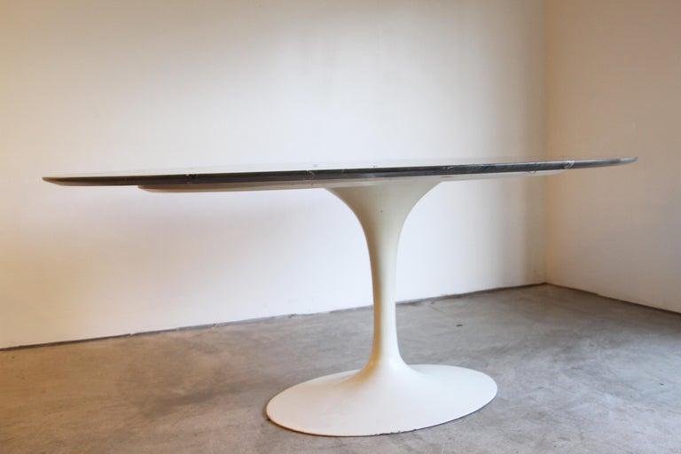 Designer: Eero Saarinen  Manufacture: Knoll Period/style: Mid-Century Modern Country: US  Date: 1950.