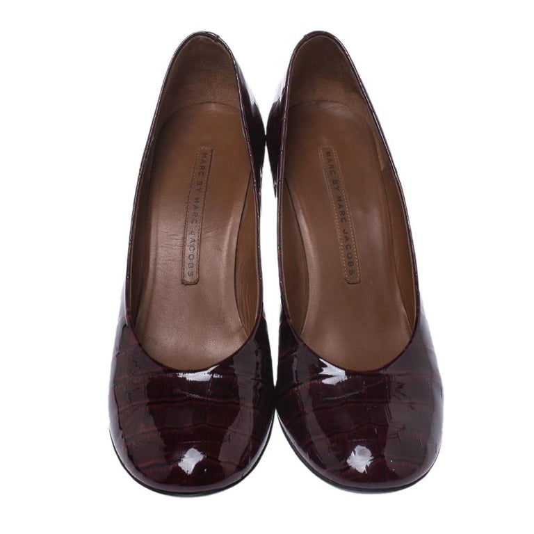 Black Marc by Marc Jacobs Burgundy Patent Leather Block Heel Pumps Size 38.5 For Sale