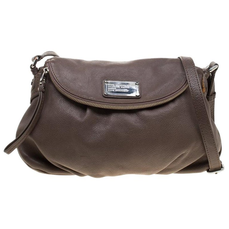 Marc by Marc Jacobs Dark Beige Leather Classic Q Natasha Crossbody Bag For Sale
