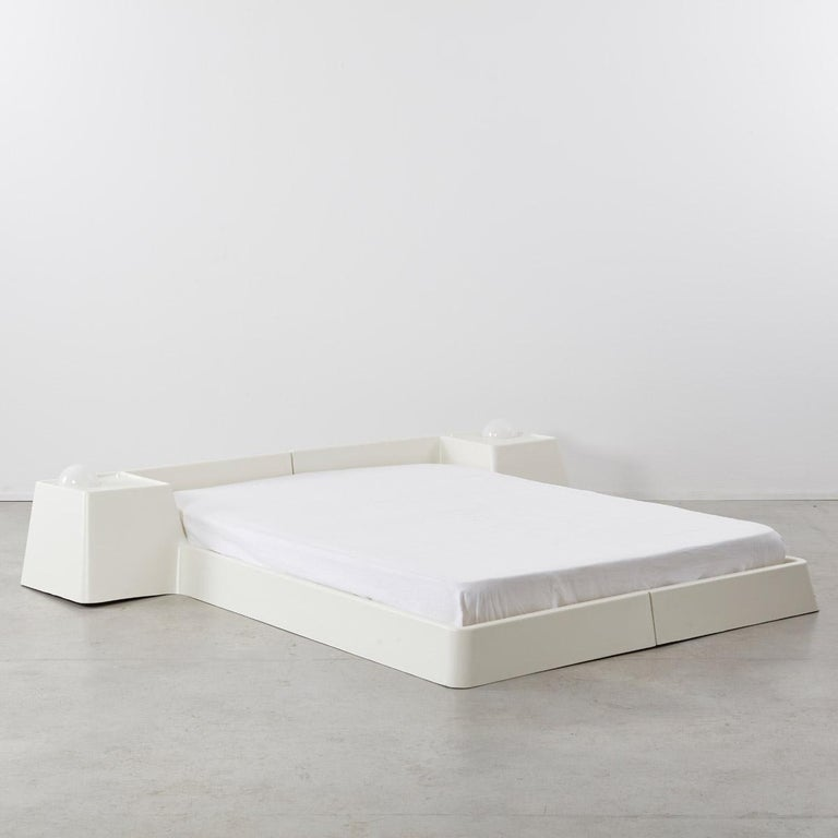 Faeroese Marc Held Fiberglass Bed for Prisunic Editions, France, 1970s