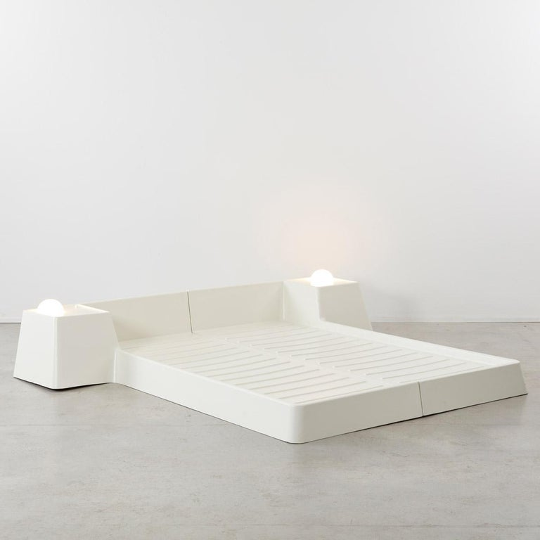 Late 20th Century Marc Held Fiberglass Bed for Prisunic Editions, France, 1970s