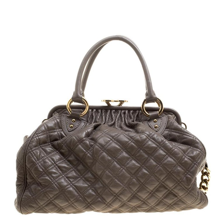 9a0bdba8bc6 Marc Jacobs Dark Beige Quilted Leather Stam Shoulder Bag In Good Condition  For Sale In Dubai