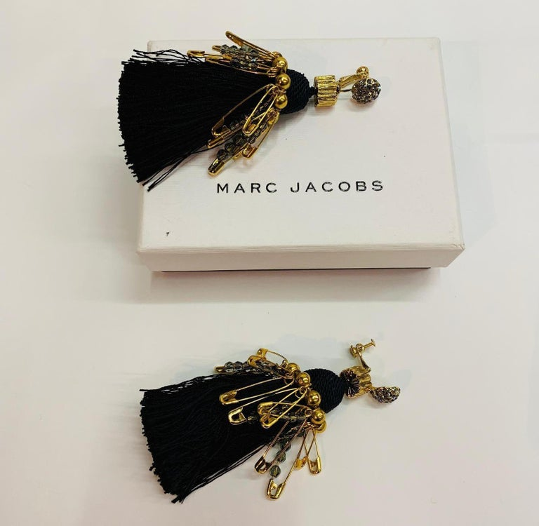 Women's Marc Jacobs metal clip earrings and Swarovski crystals For Sale