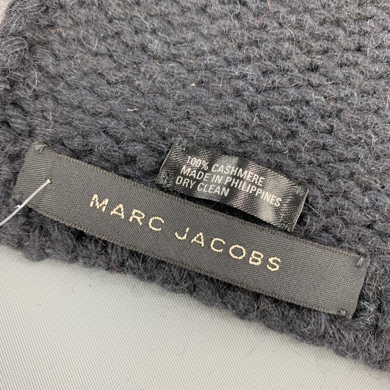 MARC JACOBS Navy Cashmere Scarf In Good Condition For Sale In San Francisco, CA