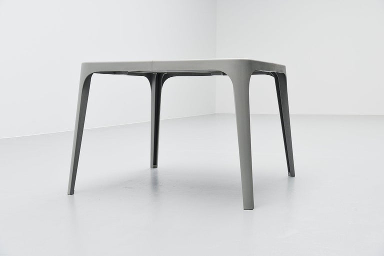 Marc Newson Coast Dining Set Magis, Italy, 1995 In Good Condition For Sale In Roosendaal, Noord Brabant