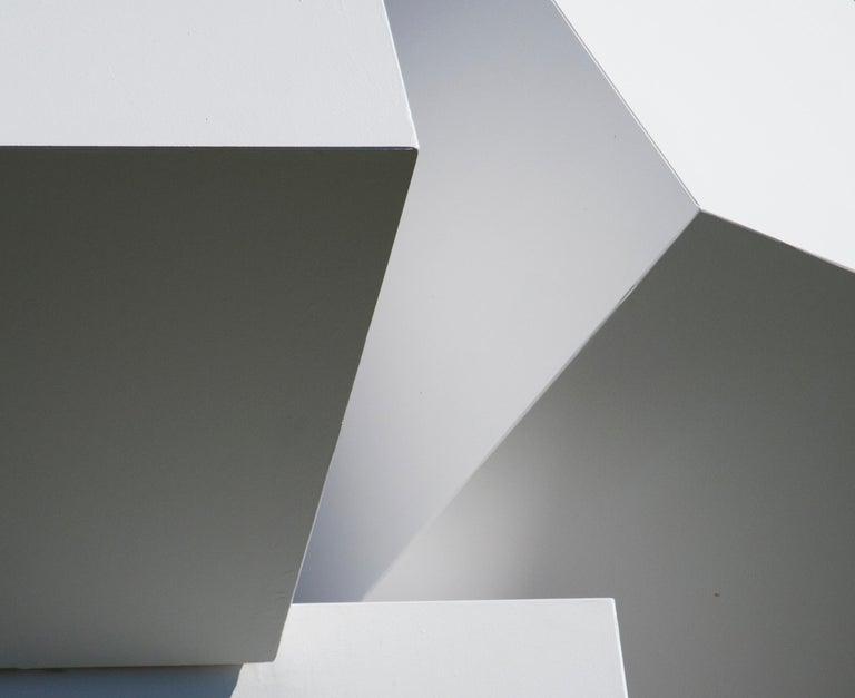 Chute des Cubes 3/10 - geometric, aluminum, white, large outdoor sculpture For Sale 5