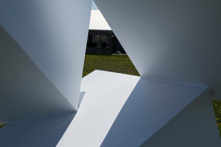 Chute des Cubes 3/10 - geometric, aluminum, white, large outdoor sculpture For Sale 6