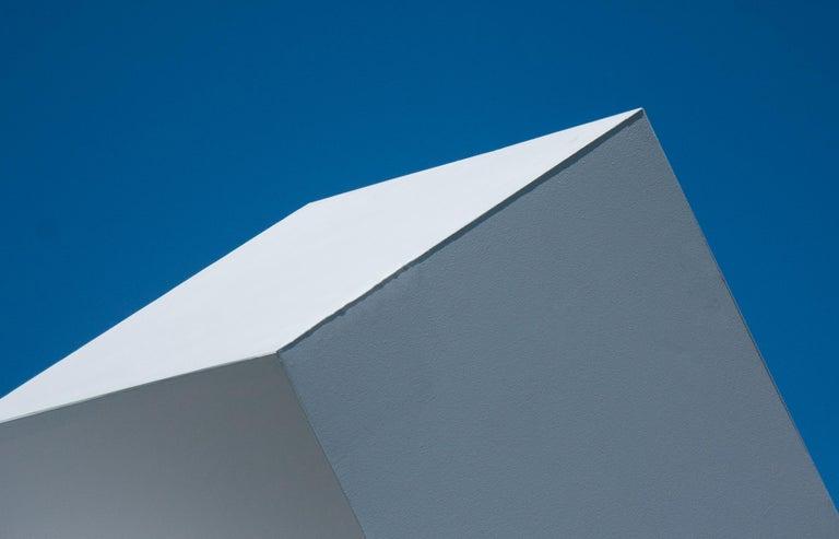 Chute des Cubes 3/10 - geometric, aluminum, white, large outdoor sculpture - Sculpture by Marc Plamondon