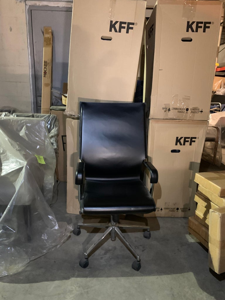 Marcatre Set of two Archizoom Black Leather Desk Chair  For Sale 3