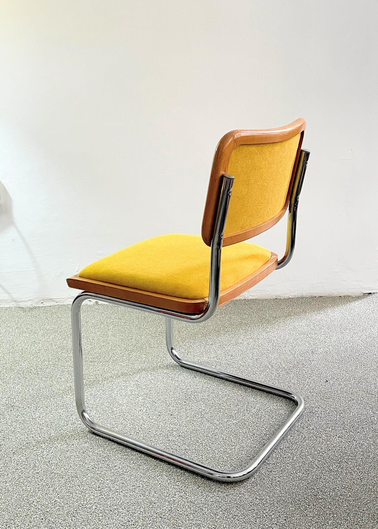 This B 32 /Cesca chair was manufactured in Austria in 1980s based on the 1928 design of the Hungarian designer, Breuer Marcell /Marcel Breuer. Bene develops, designs and produces office furniture. Founded in 1790, Bene started to manufacture office