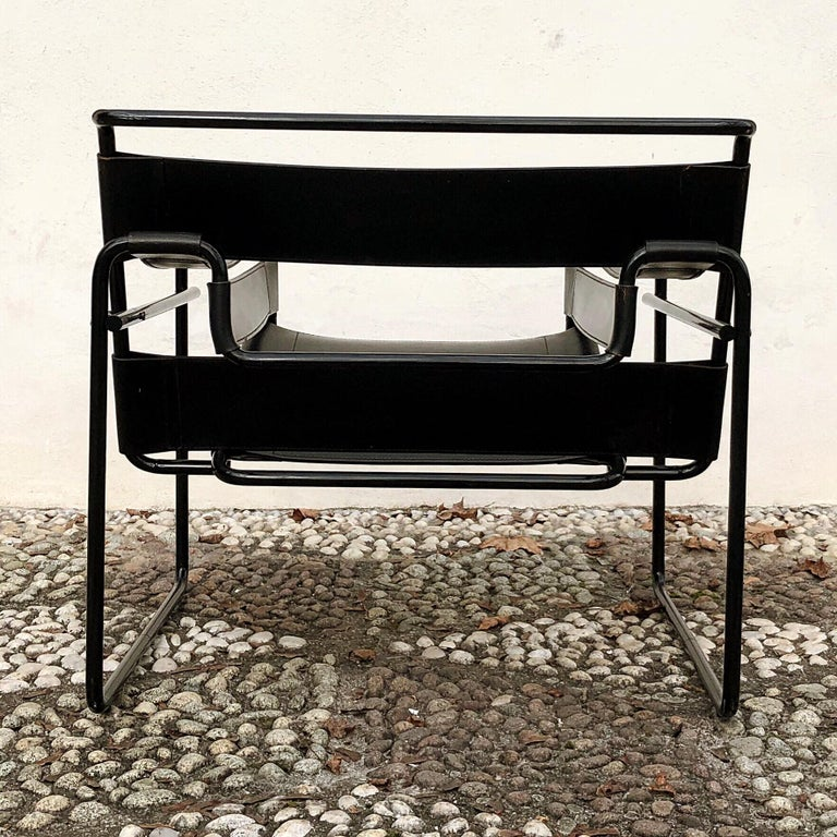 "Marcel Breuer Bauhaus Leather B3 ""Wassily"" Armchair for Gavina, 1972, Set of 2 For Sale 10"
