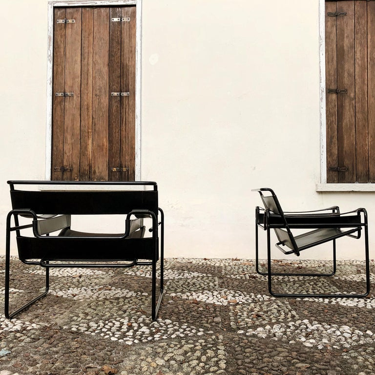 "Marcel Breuer Bauhaus Leather B3 ""Wassily"" Armchair for Gavina, 1972, Set of 2 In Good Condition For Sale In Lonigo, IT"