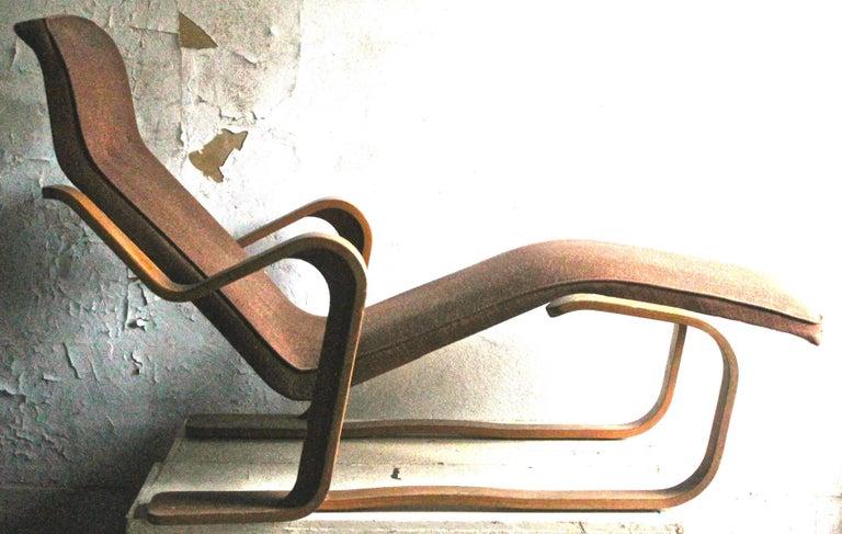 Bauhaus Marcel Breuer Isokon Bentwood Upholstered Long Chair, 1935-1936 For Sale