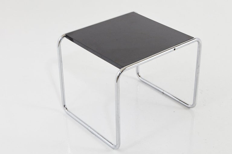 Bauhaus Marcel Breuer - Laccio Side Table Black Laminated Top with Tubular Chromed Base For Sale