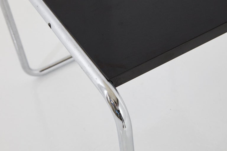 Marcel Breuer - Laccio Side Table Black Laminated Top with Tubular Chromed Base In Good Condition For Sale In Pau, FR