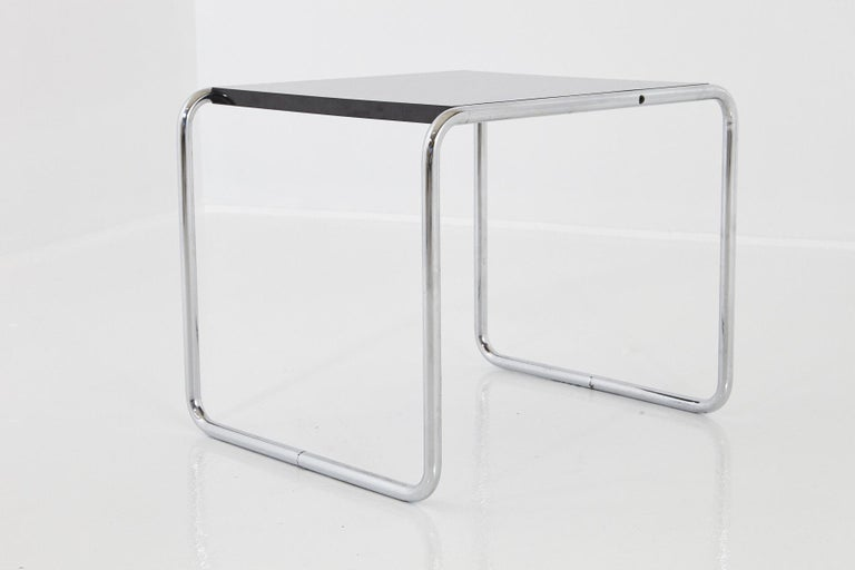 20th Century Marcel Breuer - Laccio Side Table Black Laminated Top with Tubular Chromed Base For Sale