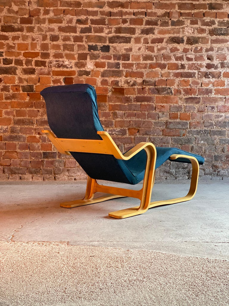 Birch Marcel Breuer Long Chair by Isokon, circa 1970