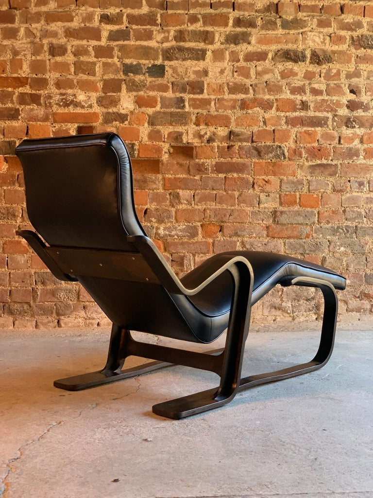 Marcel Breuer Long Chair Chaise Lounge Attr. to Isokon, c 1970 Bauhaus Midcent For Sale 3