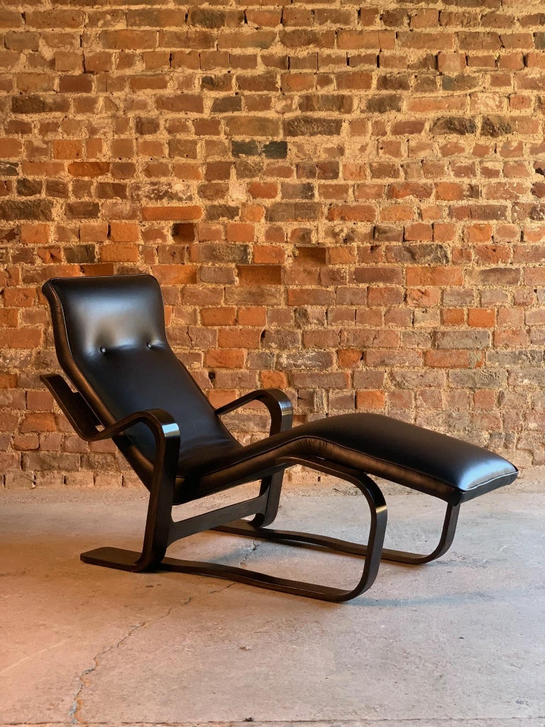 Marcel Breuer Long Chair Chaise Lounge Attr. to Isokon, c 1970 Bauhaus Midcent For Sale 4