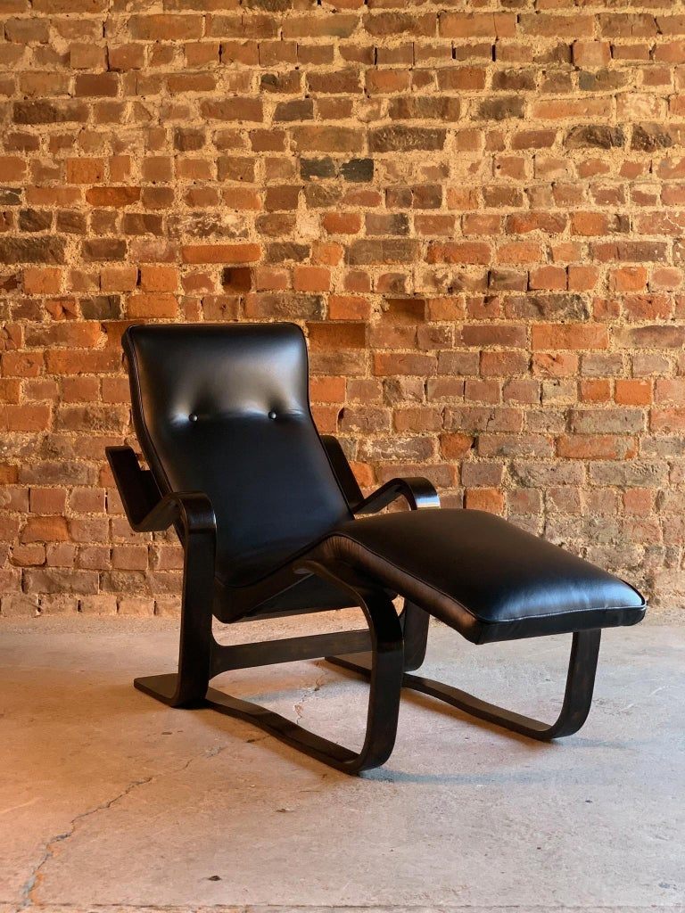 Marcel Breuer Long Chair Chaise Lounge Attr. to Isokon, c 1970 Bauhaus Midcent In Excellent Condition For Sale In Longdon, Tewkesbury