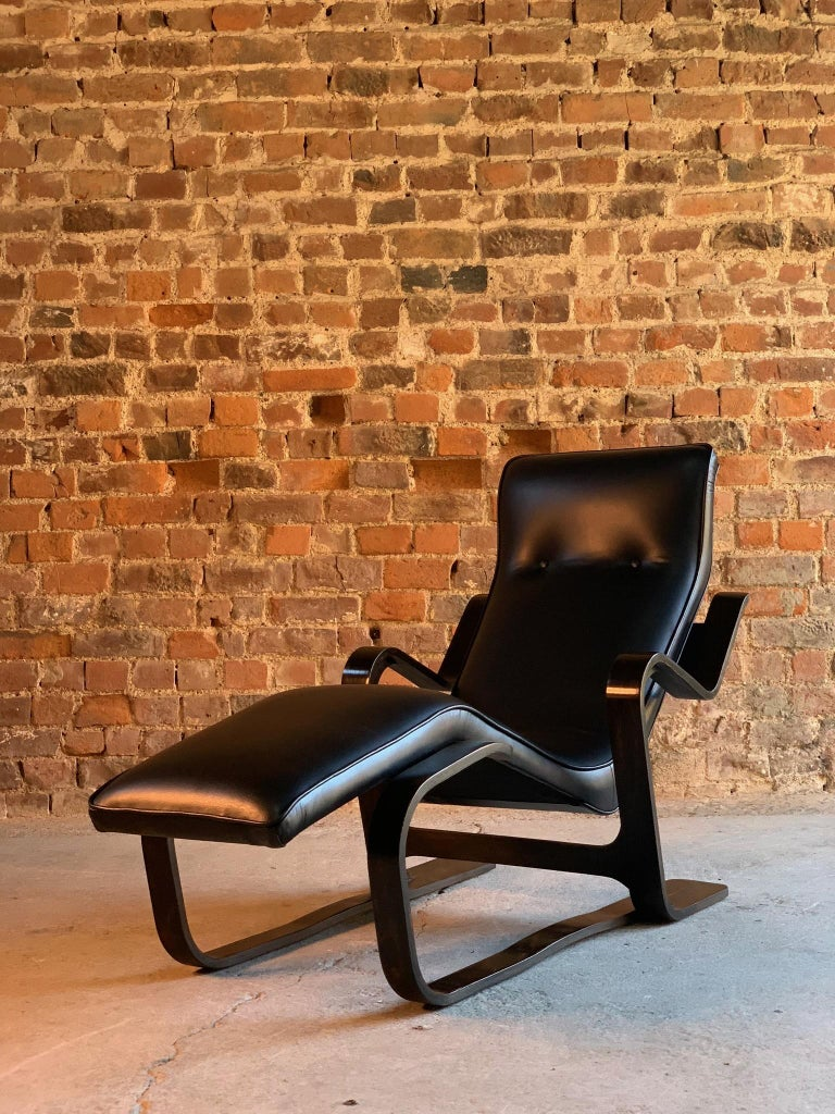 Leather Marcel Breuer Long Chair Chaise Lounge Attr. to Isokon, c 1970 Bauhaus Midcent For Sale