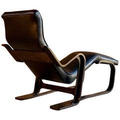 Marcel Breuer Long Chair Chaise Lounge by Isokon, circa 1970 Bauhaus Midcentury