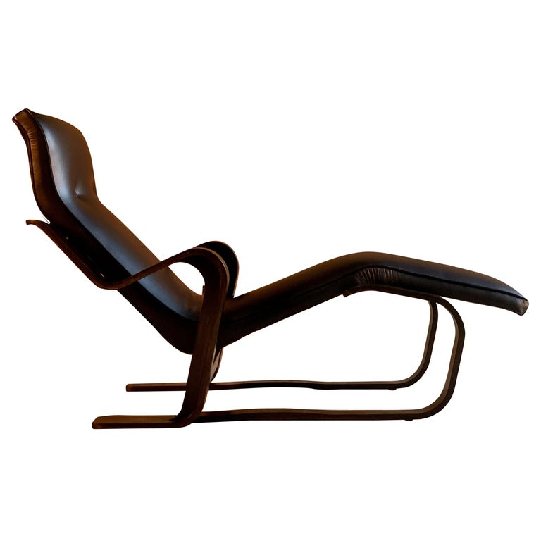 Marcel Breuer Long Chair Chaise Lounge Attr. to Isokon, c 1970 Bauhaus Midcent For Sale