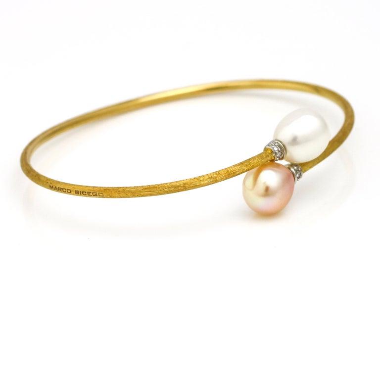 Modern Marco Bicego 18 Karat Gold Africa Elongated Pearl Bypass Bangle Bracelet For Sale