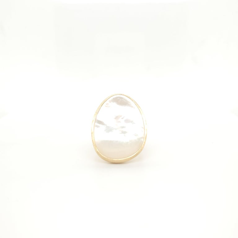 Women's Marco Bicego Lunaria Gold Mother of Pearl Ring For Sale