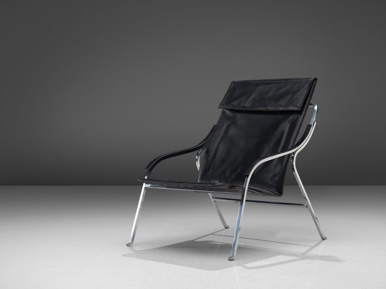 Marco Zanuso for Arflex, lounge chair, black leather, steel, Italy, designed in 1964  This lounge chair by Zanuso remains among the best examples of armchairs designed by the architect. It is not only the ingenious slender design that