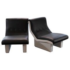 Marco Zanuso for C&B Pair of White Fiberglass and Black Leather Lounge Chairs