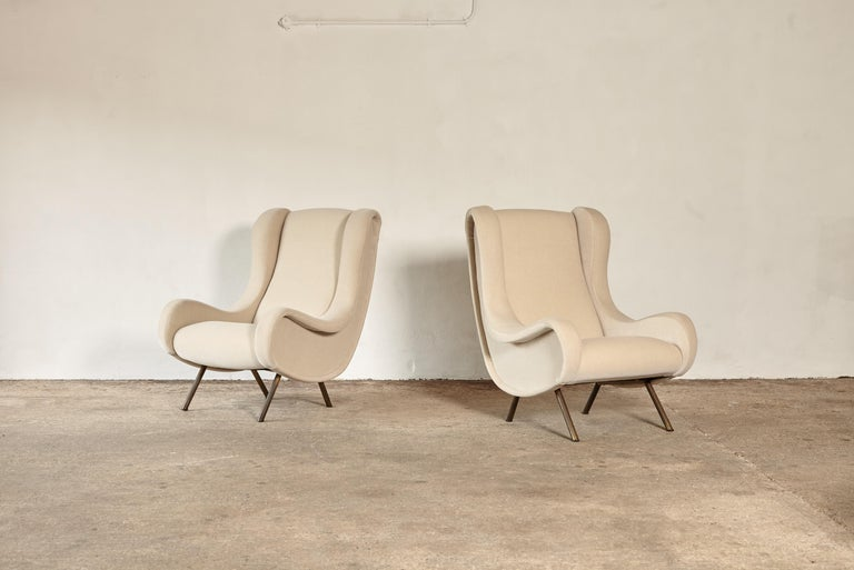 An pair of authentic Marco Zanuso Senior chairs, Arflex, Italy, 1960s. These chairs have been reupholstered in ivory mohair velvet from Pierre Frey.     UK customers please note:    displayed prices do not include VAT.