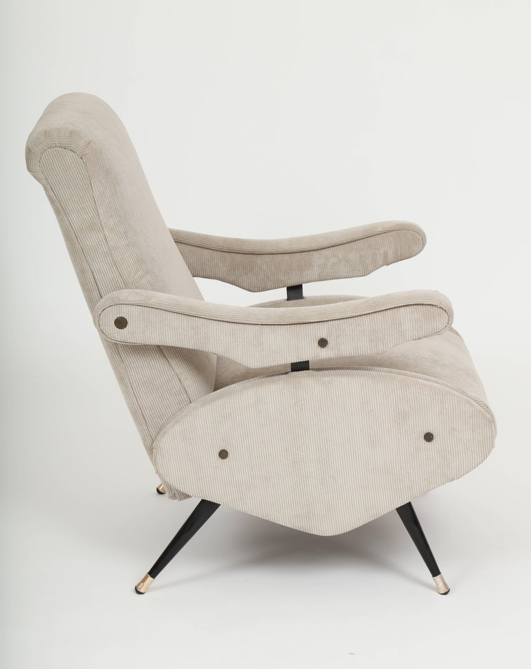 Marco Zanuso Style Grey Velvet Corduroy Lounge Chair Midcentury, Italian, 1960 In Excellent Condition For Sale In New York, NY