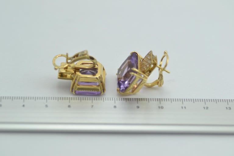 Margherita Burgener 18 Karat Gold Diamond Amethyst Clip Earrings In New Condition For Sale In Valenza , IT