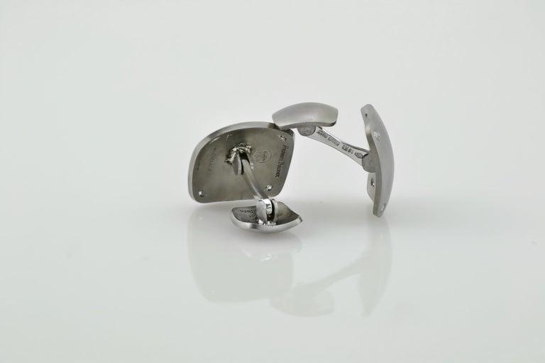 Handmade Titanium Diamond 18 Karat Gold Cufflinks In New Condition For Sale In Valenza , IT