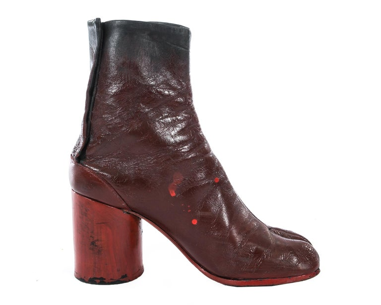 Margiela red leather painted tabi boots, fw 1995 In Good Condition For Sale In London, GB
